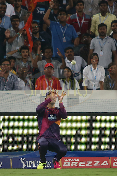 Faf du Plesis of Rising Pune Supergiants gets under the ball to take the catch to get Bhuvneshwar Kumar of Sunrisers Hyderabad wicket during match 22 of the Vivo IPL 2016 (Indian Premier League) between the Sunrisers Hyderabad and the Rising Pune Supergiants held at the Rajiv Gandhi Intl. Cricket Stadium, Hyderabad on the 26th April 2016<br /> <br /> Photo by Shaun Roy / IPL/ SPORTZPICS