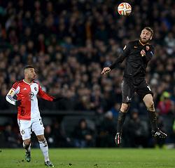 26-02-2015 NED: Europa League Feyenoord - AS Roma, Rotterdam<br /> In the photo Daniele De Rossi #16, Tonny Trindade de Vilhena #21