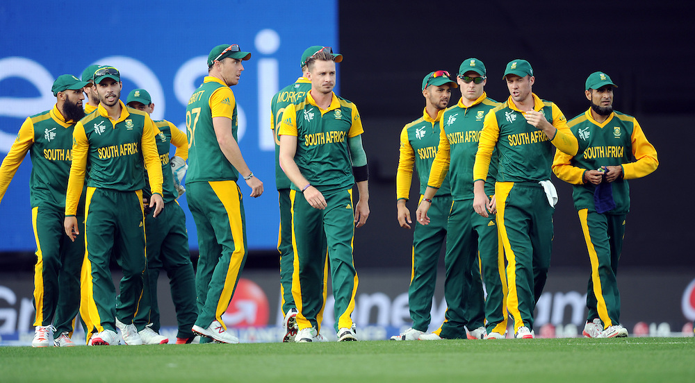 South Africa's Dale Steyn, centre, after dismissing Pakistan's Misbah-ul-Haq for 56 in the ICC Cricket World Cup at Eden Park, Auckland, New Zealand, Saturday, March 07, 2015. Credit:SNPA / Ross Setford