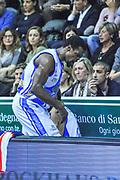 DESCRIZIONE : Campionato 2013/14 Dinamo Banco di Sardegna Sassari - Montepaschi Siena<br /> GIOCATORE : Linton Johnson<br /> CATEGORIA : Ritratto Delusione<br /> SQUADRA : Dinamo Banco di Sardegna Sassari<br /> EVENTO : LegaBasket Serie A Beko 2013/2014<br /> GARA : Dinamo Banco di Sardegna Sassari - Montepaschi Siena<br /> DATA : 22/12/2013<br /> SPORT : Pallacanestro <br /> AUTORE : Agenzia Ciamillo-Castoria / Luigi Canu<br /> Galleria : LegaBasket Serie A Beko 2013/2014<br /> Fotonotizia : Campionato 2013/14 Dinamo Banco di Sardegna Sassari - Montepaschi Siena<br /> Predefinita :