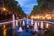 Europa, Deutschland, Koeln, Brunnenanlage am Kaiser-Wilhelm-Ring.<br /> <br /> Europe, Germany, Cologne, fountains at the street Kaiser-Wilhem-Ring.