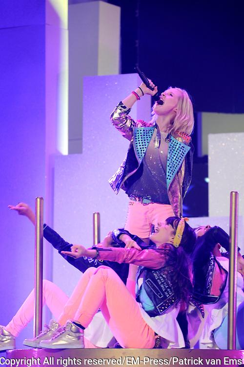 Dress rehearsal Junior Eurovisie Songfestival 2012 in de Heineken Music Hall.<br /> <br /> op de foto:  Femke Meines uit Nederland