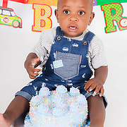 Tunga Botshiwe Cake Smash Photo Session