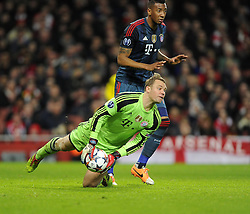 Bayern Munich's Manuel Neuer releases the ball - Photo mandatory by-line: Joe Meredith/JMP - Tel: Mobile: 07966 386802 19/02/2014 - SPORT - FOOTBALL - London - Emirates Stadium - Arsenal v Bayern Munich - Champions League - Last 16 - First Leg