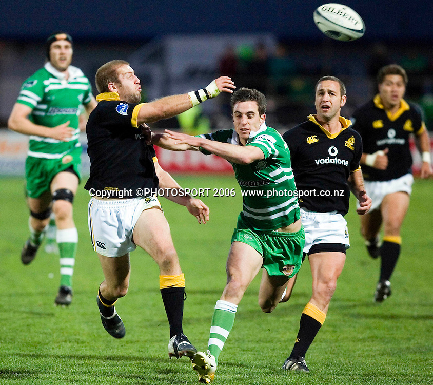 Wellington's Ben Herring throws a pass during the Air New Zealand Cup week 6 rugby match between Manawatu and Wellington at FMG Stadium, Palmerston North, on Saturday 2 September 2006. Photo: Aaron Smale/PHOTOSPORT<br /> <br /> <br /> 020906 npc nz union