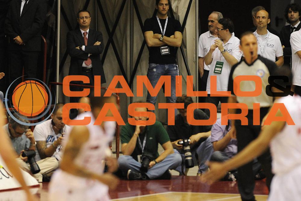 DESCRIZIONE : Milano  Lega A 2011-12 EA7 Emporio Armani Milano Scavolini Siviglia Pesaro play off semifinale gara 2<br /> GIOCATORE : Gianluca Pascucci<br /> CATEGORIA : ritratto curiosita <br /> SQUADRA : <br /> EVENTO : Campionato Lega A 2011-2012 Play off semifinale gara 2 <br /> GARA : EA7 Emporio Armani Milano Scavolini Siviglia Pesaro<br /> DATA : 31/05/2012<br /> SPORT : Pallacanestro <br /> AUTORE : Agenzia Ciamillo-Castoria/ GiulioCiamillo<br /> Galleria : Lega Basket A 2011-2012  <br /> Fotonotizia : Milano  Lega A 2011-12 EA7 Emporio Armani Milano Scavolini Siviglia Pesaro play off semifinale gara 2<br /> Predefinita :