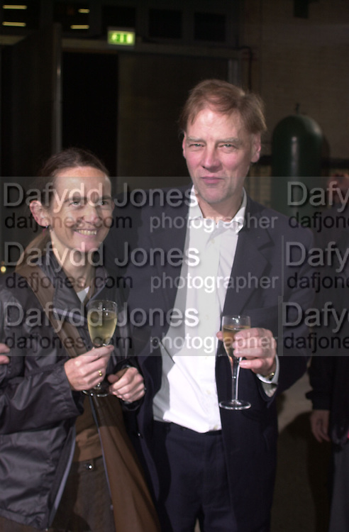 Ally Capellino and Duncan McAskill. Opening of the Wapping Project. Wapping Hydrolic Power Station. 12/10/00. © Copyright Photograph by Dafydd Jones 66 Stockwell Park Rd. London SW9 0DA Tel 020 7733 0108 www.dafjones.com