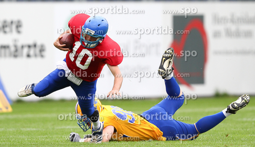 29.07.2010, Brita Arena, Wiesbaden, GER, Football EM 2010, Team Sweden vs Team Great Britain, im Bild Olof Flemstroem, (Team Sweden, DL, #98) holt Eber Kington, (Team Great Britain, QB, #10) von den Beinen,  EXPA Pictures © 2010, PhotoCredit: EXPA/ T. Haumer / SPORTIDA PHOTO AGENCY