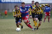 Fotball. 1. divisjon 14. april 2002. Tollnes - Tromsdalen i Skien. Håvard  Karlsen, Tromsdalen.<br /> <br /> Foto: Andreas Fadum, Digitalsport.