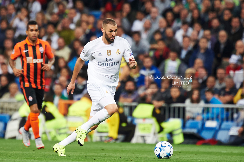 Karim Benzema (forward, Real Madrid F.C.) in action during the UEFA Champions League match between Real Madrid and FC Shakhtar Donetsk at Santiago Bernabeu on September 15, 2015 in Madrid