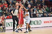 DESCRIZIONE : Milano Lega A 2015-16 Olimpia EA7 Emporio Armani Milano Enel Brindisi<br /> GIOCATORE : Krunoslav Simon<br /> CATEGORIA : Tecnica<br /> SQUADRA : Olimpia EA7 Emporio Armani Milano<br /> EVENTO : Campionato Lega A 2015-2016<br /> GARA : Olimpia EA7 Emporio Armani Milano Enel Brindisi<br /> DATA : 20/12/2015<br /> SPORT : Pallacanestro <br /> AUTORE : Agenzia Ciamillo-Castoria/I.Mancini<br /> Galleria : Lega Basket A 2015-2016  <br /> Fotonotizia : Milano Lega A 2015-16 Olimpia EA7 Emporio Armani Milano Enel Brindisi<br /> Predefinita :