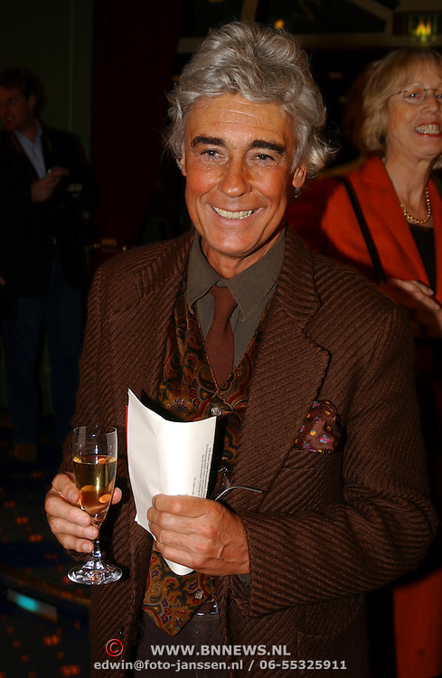 Modeshow Ronald Kolk 2005, Corstiaan de Vries