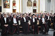Nederland, Nijmegen, 7-5-2012Hoogleraren van de Radboud universiteit luisteren in de St. Stevenkerk naar een voordracht van Umberto Eco die de Vrede van Nijmegen penning ontvangen heeft.Foto: Flip Franssen/Hollandse Hoogte