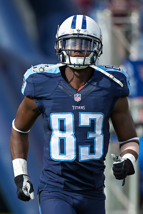 NASHVILLE, TN - NOVEMBER 15:  Harry Douglas #83 of the Tennessee Titans runs onto the field before a game against the Carolina Panthers at Nissan Stadium on November 15, 2015 in Nashville, Tennessee.  (Photo by Wesley Hitt/Getty Images) *** Local Caption *** Harry Douglas