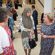 NLD/Den Haag/201905228 - Boekpresentatie winnares Heel Holland Bakt 2019 Anna aan Minister Bijleveld,