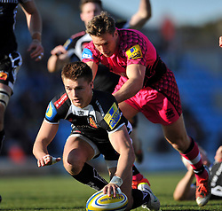 Henry Slade of Exeter Chiefs scores a try - Photo mandatory by-line: Patrick Khachfe/JMP - Mobile: 07966 386802 07/03/2015 - SPORT - RUGBY UNION - Exeter - Sandy Park - Exeter Chiefs v London Welsh - Aviva Premiership
