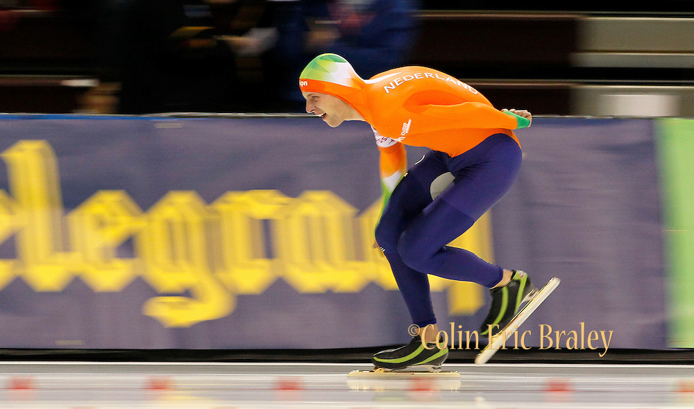 Bob de Vries of the Netherlands, competes in the men's 10,000-meter World Cup speedskating competition at the Utah Olympic Oval in Kearns, Utah, Saturday, Feb. 19, 2011. (AP Photo/Colin E Braley)
