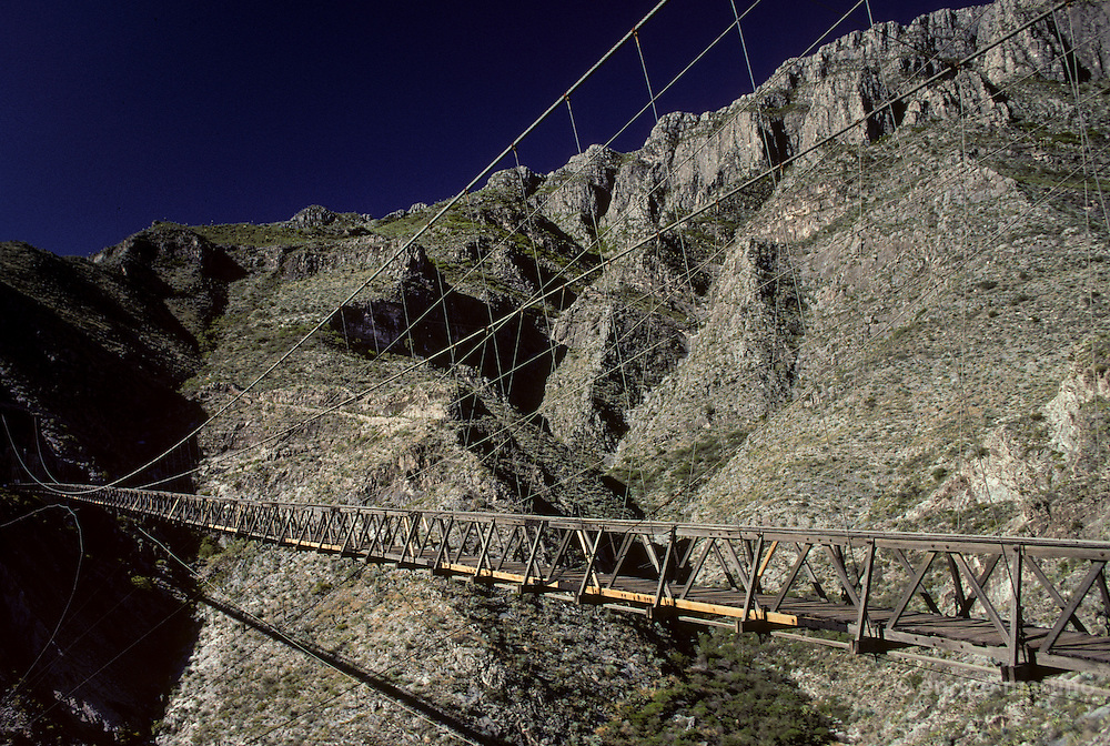Gomez Palacio. Hojuela Bridge (1898),  318 meters long, the longest of Latino-america. Was utilised to connect Mapimì mine with miners ghost town