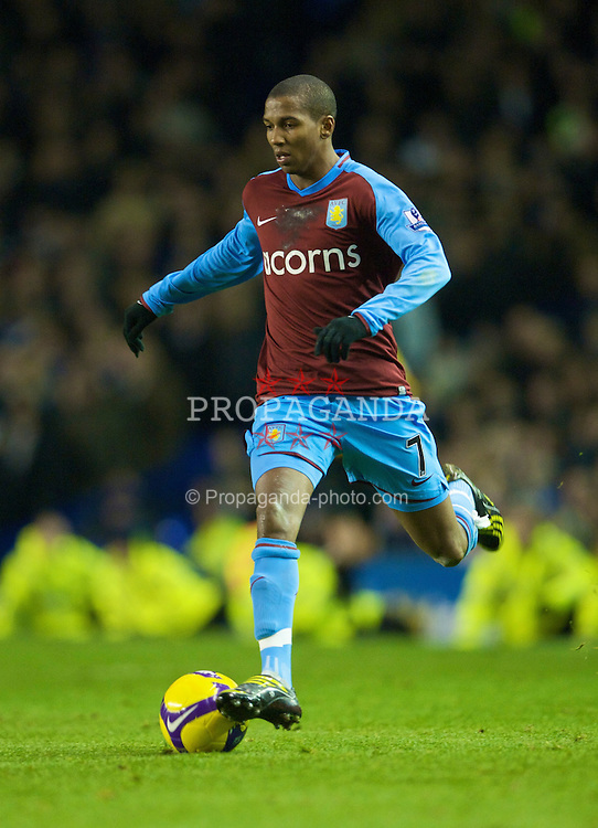 LIVERPOOL, ENGLAND - Sunday, December 7, 2008: Aston Villa's Ashley Young in action against Everton during the Premiership match at Goodison Park. (Photo by David Rawcliffe/Propaganda)