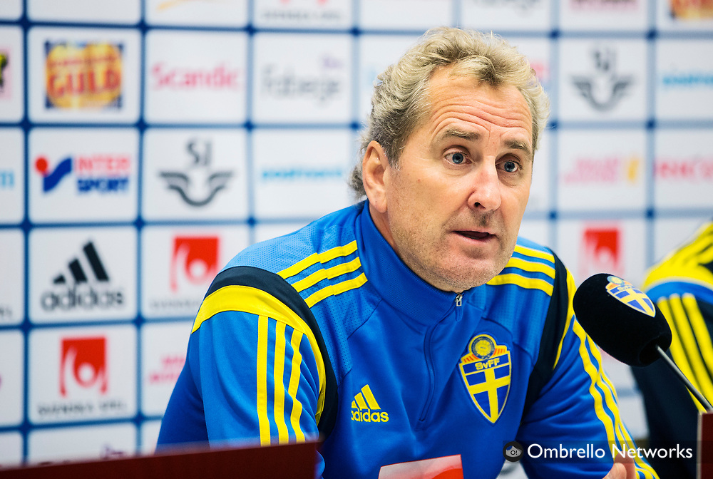 STOCKHOLM  2014-10-08<br /> LANDSLAG FOTBOLL PRESSKONFERENS FRIENDS ARENA<br /> ERIK HAMREN<br /> FOTO: NILS PETTER NILSSON KOD 7111