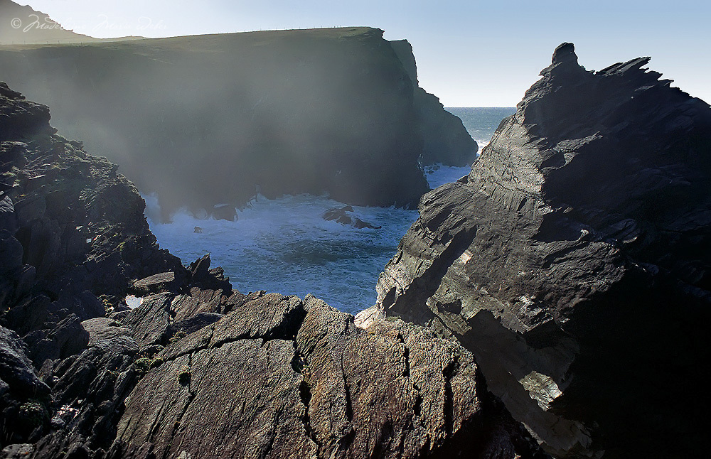 Cliffs of Valentia Island, County Kerry, Ireland / vl092