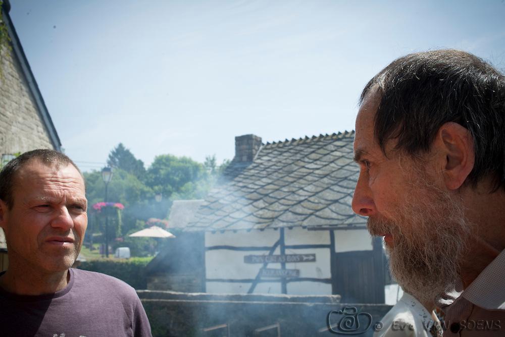 Agréable réunion de famille chez Bernard et Bernadette à Weris. Il y avait les cousins français, les lint, les lafleur, les walthéry, Claude, le Goyens