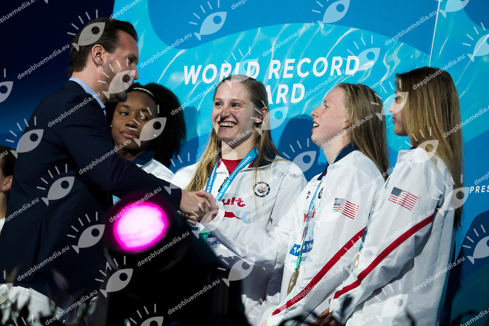 Team USA gold medal New World Record Midea Award<br /> swimming<br /> Women's 4x100m medley final<br /> day 17 30/07/2017 <br /> XVII FINA World Championships Aquatics<br /> Photo &copy; Giorgio Perottino/Deepbluemedia/Insidefoto