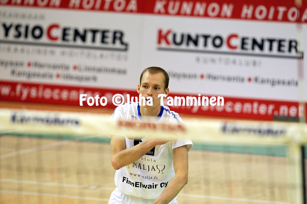 24.10.2010, Pyynikin Palloiluhalli, Tampere..Lentopallon Mestaruusliiga 2010-11..Tampereen Isku-Volley - Pielaveden Sampo..Timo Tolvanen - Sampo.©Juha Tamminen.