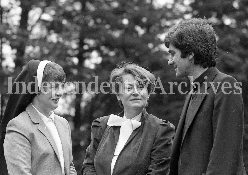 Minister for Education Gemma Hussey at Broc House for the Association of Religious Advisors to Primary Teachers National Meeting, with Sr Eileen Doyle, Vice-Chair Person of the Cirriculum and Education Board and Education Secretary at the Arch-Bishop's House and Fr Oliver Brennan, Chairman of the Association, 19/10/1985 (Part of the Independent Newspapers Ireland/NLI Collection).