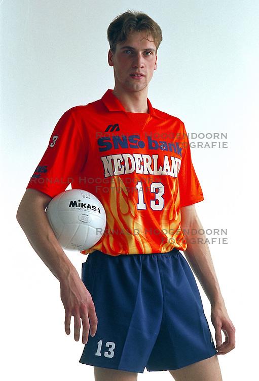 21-05-1997 VOLLEYBAL: TEAMPRESENTATIE MANNEN: WOERDEN<br /> Twan van Kuijk<br /> &copy;2007-WWW.FOTOHOOGENDOORN.NL