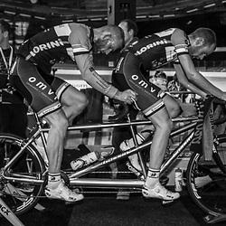 27-12-2014: Wielrennen: NK Baanwielrennen: Apeldoorn tandem Stoker Vincent ter Schure en Tim Fransen pakten de titel op de achtervolging