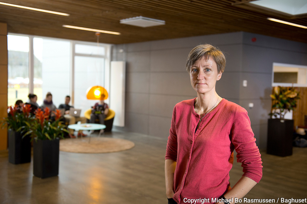 Charlotte Bisbjerg Nielsen, projektleder ang. unge kontanthjælpsmodtagere, som skal hjælpes i uddannelse. EUC Nord. Foto: © Michael Bo Rasmussen / Baghuset. Dato: 09.11.12