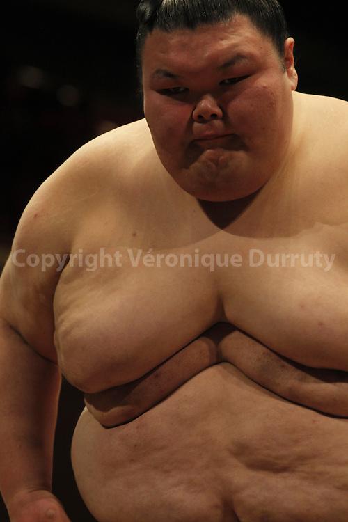 Sumo fight at the Ry?goku Kokugikan, Tokyo, Japan / Combat de Sumo au Ry?goku Kokugikan ,Tokyo, Japon