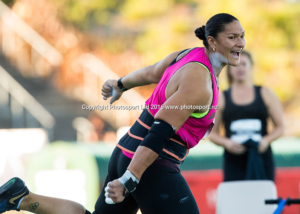 Valerie Adams throws in the Women's Shot Put at the Auckland Track Challenge, Douglas Track and Field.Trusts Arena, Auckland, New Zealand, Thursday, February 25, 2016. Copyright photo: David Rowland / www.photosport.nz