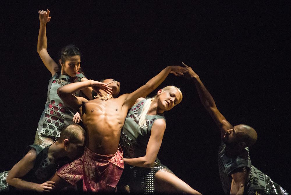 Performance of an excerpt of 'Bayadère' by Shobana Jeyasingh Dance at Sadler's Wells Sampled on 2 February 2017 © Chantal Guevara