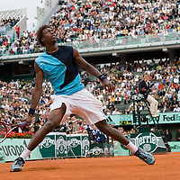 01 June 2007: French player Gael Monfils watchs a fly ball during the French Tennis Open third round match won by David Nalbandian 7-6, 5-7, 6-4, 7-6, at Roland Garros, in Paris, France.