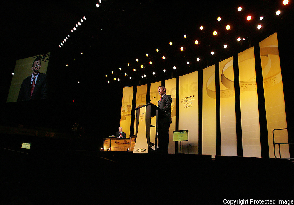 28 August 2007: Seven-time Tour de France winner Lance Armstrong speaks at the opening of the LIVESTRONG Presidential Cancer Forum in Cedar Rapids, Iowa on August 28, 2007.