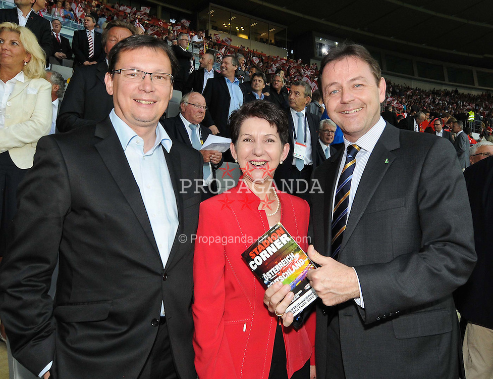 03.06.2011, Ernst Happel Stadion, Wien, AUT, UEFA EURO 2012, Qualifikation, Oesterreich (AUT) vs Deutschland (GER), im Bild vl. Bundesverteidigungsminister Norbert Darabos, Barbara Prammer, Umweltminister Nikolaus Berlakovich // during the UEFA Euro 2012 Qualifier Game, Austria vs Germany, at Ernst Happel Stadium, Vienna, 2010-06-03, EXPA Pictures © 2011, PhotoCredit: EXPA/ M. Gruber