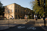 SWEDEN- STOKHOLM - 26/09/2006 : cyclist in the city center, Bycicle is very popular in Sweden .///.cyclistes dans le centre ville, Le velo est un moyen de transport tres populaire, pour tous les ages et tous les genres.
