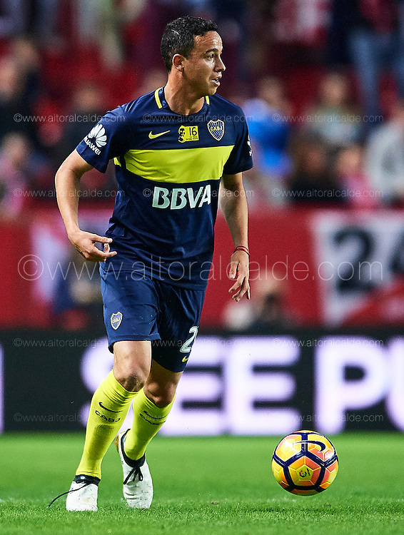 "SEVILLE, SPAIN - NOVEMBER 11:  Leonardo Jara of Boca Juniors in action during the match between Sevilla FC vs Boca Juniors as part of the friendly match ""Trofeo Antonio Puerta"" at Ramon Sanchez Pizjuan stadium on November 11, 2016 in Seville, Spain.  (Photo by Aitor Alcalde Colomer/Getty Images)"