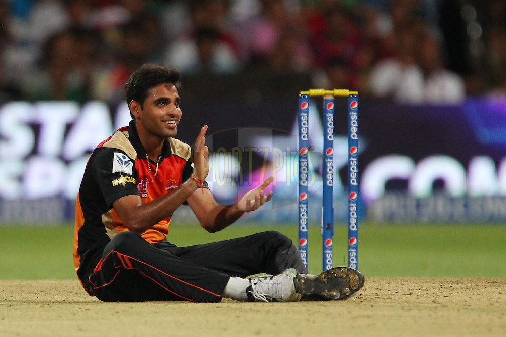 Bhuvneshwar Kumar of the Sunrisers Hyderabad applauds the fielder during match 24 of the Pepsi Indian Premier League Season 2014 between the Royal Challengers Bangalore and the Sunrisers Hyderabad held at the M. Chinnaswamy Stadium, Bangalore, India on the 4th May  2014<br /> <br /> Photo by Ron Gaunt / IPL / SPORTZPICS<br /> <br /> <br /> <br /> Image use subject to terms and conditions which can be found here:  http://sportzpics.photoshelter.com/gallery/Pepsi-IPL-Image-terms-and-conditions/G00004VW1IVJ.gB0/C0000TScjhBM6ikg