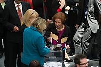 18 MAR 2012, BERLIN/GERMANY:<br /> Beate Klarsfeld, Kandidatin fuer das Amt der Bundespraesidentin, gibt Ihre Stimme ab, Bundesversammlung anl. der Wahl des Bundespraesidenten, Plenum, Deutscher Bundestag<br /> IMAGE: 20120318-01-039