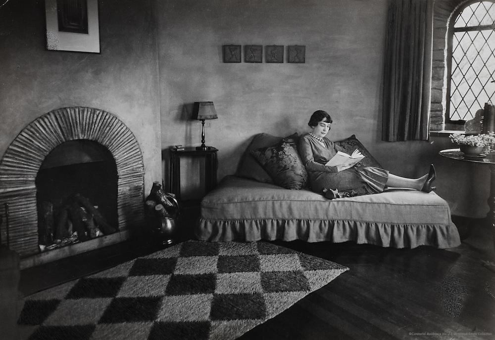 Sheila Kaye-Smith, novelist, Little Doucegrove, Northrain, Sussex, England, UK, 1932