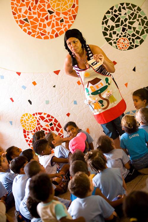 Belo Horizonte_MG, Brasil...Atividades na Unidade Municipal de Educacao Infantil (UMEI) Mangueiras...The activities in the Municipal Child Education (UMEI) Mangueiras.. .Foto: LEO DRUMOND / NITRO