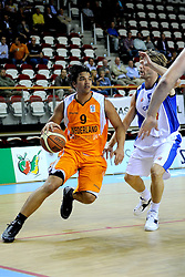 13-09-2008 BASKETBAL: NEDERLAND - IJSLAND: ALMERE<br /> De Nederlandse basketballers hebben hun tweede zege geboekt voor het ek van 2009 in de B-divisie. Oranje versloeg IJsland in almere met 84-68 / Arvin Slagter<br /> ©2008-WWW.FOTOHOOGENDOORN.NL