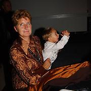 CD presentatie Frans Bauer, Oma Rossenberg en kleinkind Jan