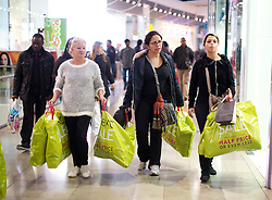 © Licensed to London News Pictures. 26/12/2014. Shoppers browse for sales in Westfield Stratford City, east London, on Boxing Day (26/12/2014.). Photo credit : LNP