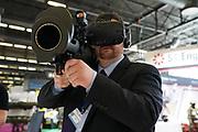France, Paris, 15 Juin 2018. Eurosatory 2018, Salon international de Défense et Sécurité. Stand SAAB, démonstration en réalité virtuelle.