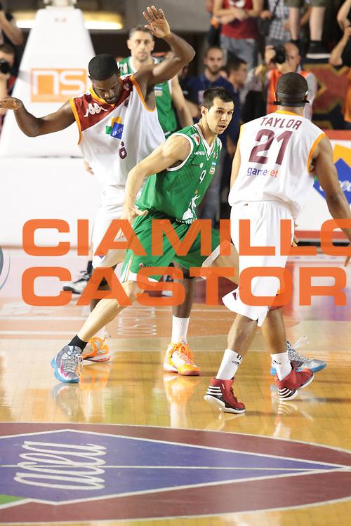 DESCRIZIONE : Roma Lega A 2012-2013 Acea Roma Montepaschi Siena finale gara 2<br /> GIOCATORE : Jones Bobby<br /> CATEGORIA : blocco curiosita controcampo<br /> SQUADRA : Acea Roma<br /> EVENTO : Campionato Lega A 2012-2013 playoff finale gara 2<br /> GARA : Acea Roma Montepaschi Siena<br /> DATA : 13/06/2013<br /> SPORT : Pallacanestro <br /> AUTORE : Agenzia Ciamillo-Castoria/M.Simoni<br /> Galleria : Lega Basket A 2012-2013  <br /> Fotonotizia : Roma Lega A 2012-2013 Acea Roma Montepaschi Siena playoff finale gara 2<br /> Predefinita :