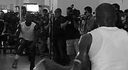 Floyd Mayweather prepares for Oscar De Hoya in Las Vegas.